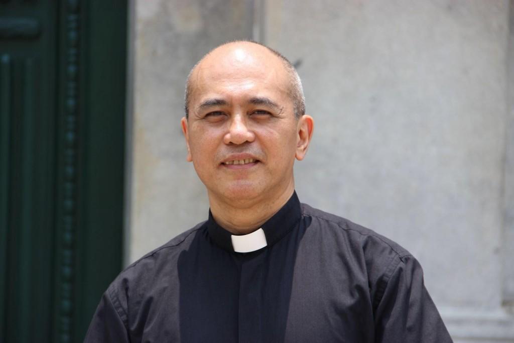 Fr Mandia