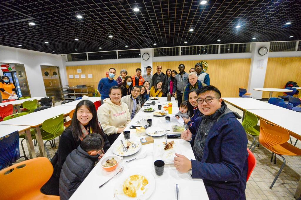 USJ Catholic Community and Volunteers_Mothers Meal